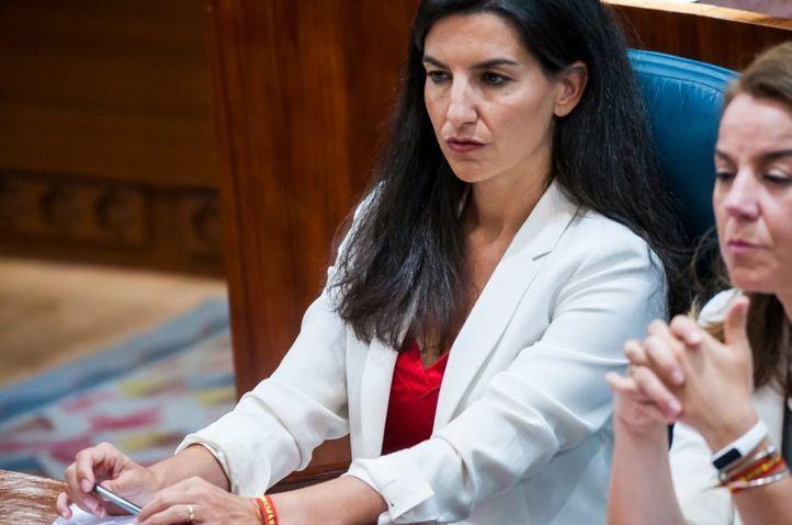 Rocío Monasterio (Vox), en una sesión plenaria en la Asamblea.