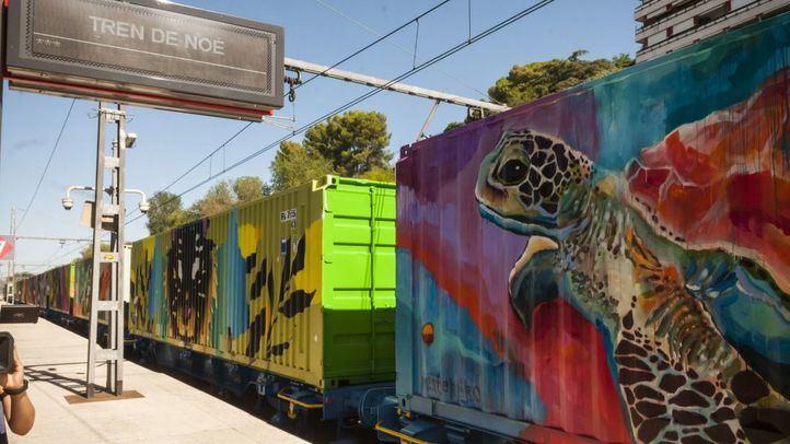 La obra de arte más larga del mundo visita Madrid para concienciar sobre el cambio climático