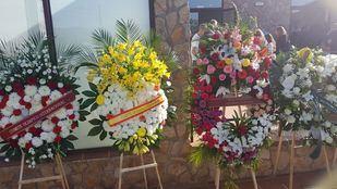 A la capilla ardiente de Blanca Fernández Ochoa no dejan de llegar flores y condolencias