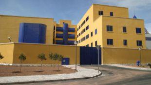 Detenidos tres de los diez internos fugados del CIE de Aluche