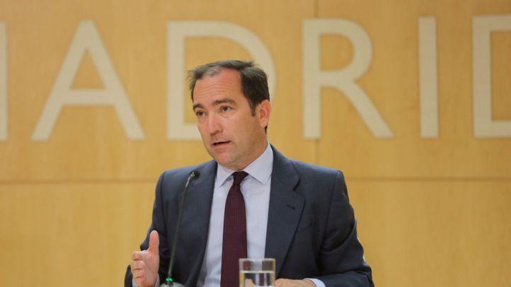 Borja Carabante, delegado de Medio Ambiente y Movilidad, en una rueda de prensa tras la Junta de Gobierno del Ayuntamiento.