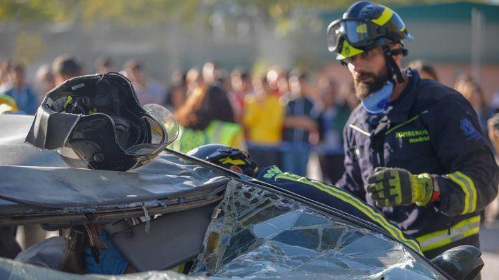Simulacro de accidente con los Bomberos del Ayuntamiento. Foto de archivo.