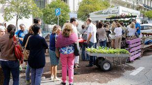 El Park(ing)Day vuelve a transformar las plazas de aparcamientos de la ciudad en espacios libres de humos.