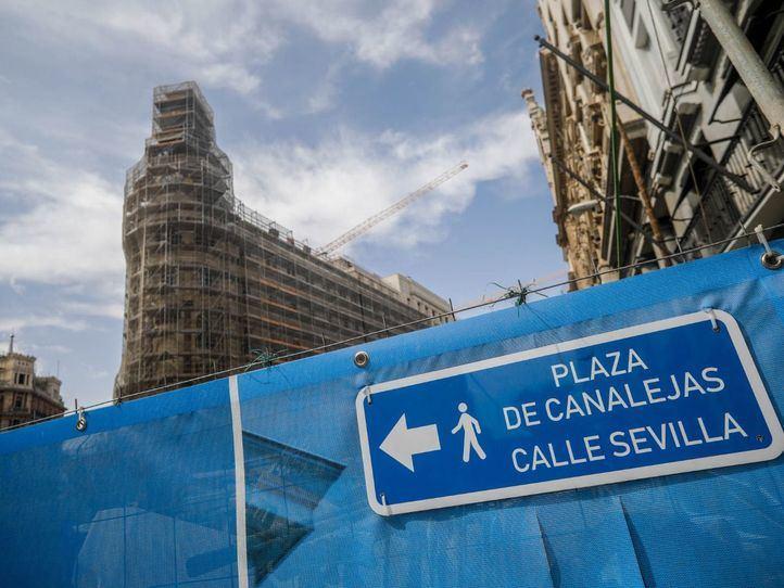 Vox pide sincronizar los semáforos de la Carrera de San Jerónimo y Mayor para acabar con los atascos