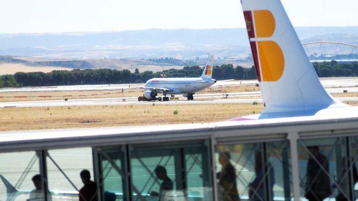 Pasajeros embarcando en el aeropuerto Adolfo Suárez-Madrid Barajas.