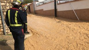 Los Bomberos han trabajado sin descanso en varios municipios desde las 14:00.
