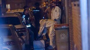 Levantamiento del  cadaver de la mujer asesinada en Ciudad Lineal