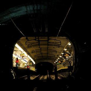 La Línea 4 de Metro vuelve a parar en la estación de Bilbao
