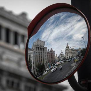 La carrera 'Madrid Corre por Madrid' corta el tráfico en las calles del centro