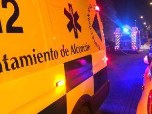 Un incendio en Alcorcón deja cuatro agentes y un bombero afectados