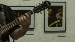 Música en directo, durante la inauguración.