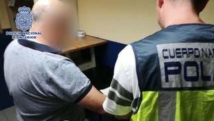 Detenido un sexagenario por robar a ancianos a la salida de bancos y farmacias