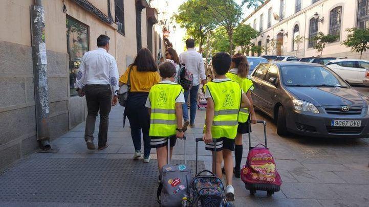 Niños participantes de la iniciativa 'Kiss and Go'.