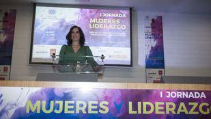 Isabel Díaz Ayuso, contra