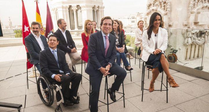 Almeida y Villacís, con su Gobierno al completo.