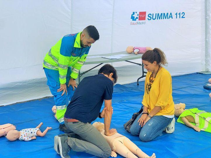 SUMMA 112 enseña cómo actuar ante una parada cardiorrespiratoria