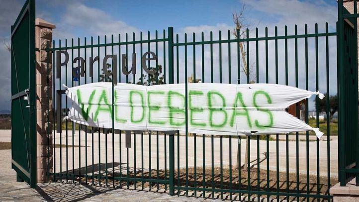 Pancarta colocada por el desencanto de algunos vecinos con el nombre del parque.