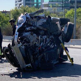 Un accidente de coche en Barajas deja tres heridos, una grave