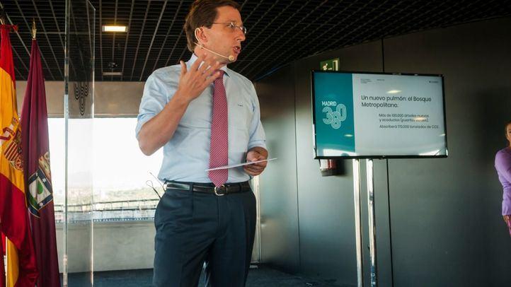 Almeida en la presentación del plan 360