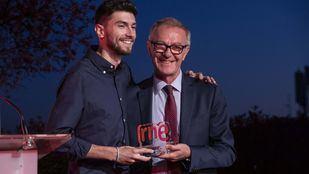 Javier Temprado recoge el XI Premio de Poesía Joven de RNE y la Fundación Montemadrid.