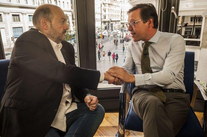 Alfonso Serrano, nuevo portavoz del Grupo Popular en la Asamblea de Madrid, visita La Terraza de Gran Vía