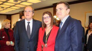 Noelia Posse, alcaldesa de Móstoles, junto a Ángel Gabilondo y José Manuel Franco.