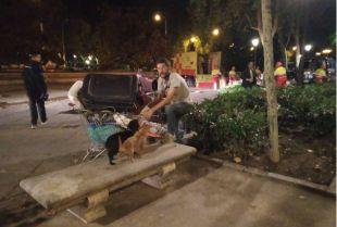 VÍDEO l Las personas sin hogar del Paseo del Prado, desalojadas de madrugada