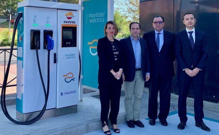 La primera 'electrolinera' de Madrid, inaugurada en Vallecas