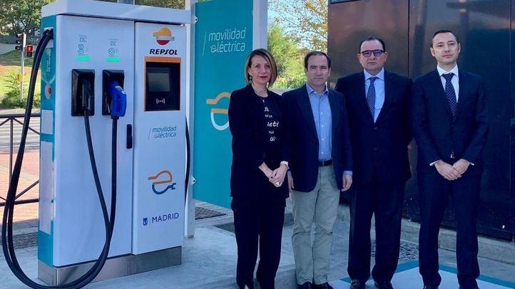 Inaugurada en Vallecas la primera de las 18 electrolineras que se abrirán en Madrid
