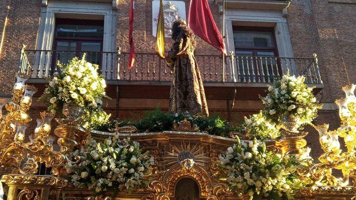 Procesión del Cristo de Medinaceli en el centro de Madrid.