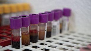 En nivel rojo, los niveles de sangre de los grupos 0+ y B-