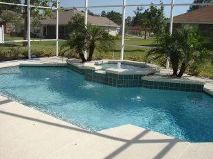 ¿Cómo proteger tu piscina en otoño?