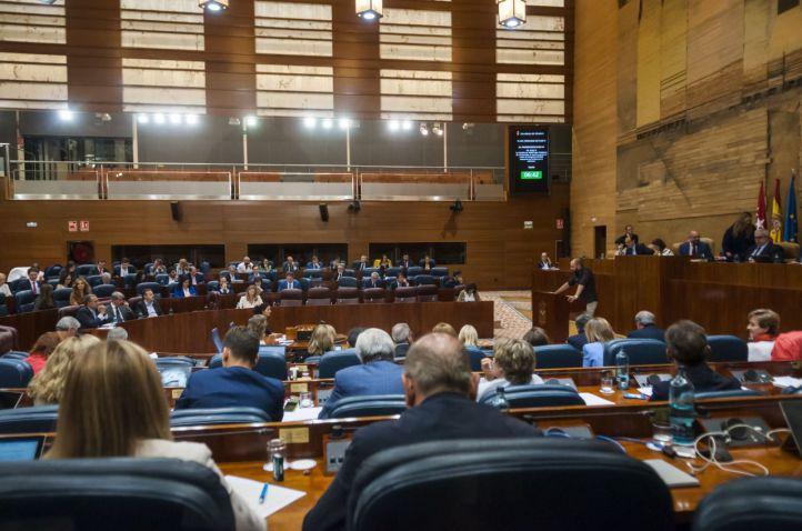 La Asamblea debate en el Pleno sobre el número de altos cargos del Gobierno
