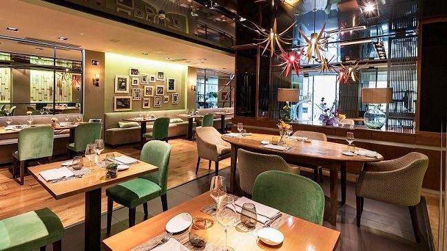El restaurante Sandó, en el Hotel Santo Domingo, una apuesta por la cocina de calidad en pleno centro de Madrid.