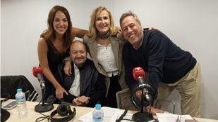 Nieves Herrero y Constantino Mediavilla con Nerea Garmendia y Sinacio.