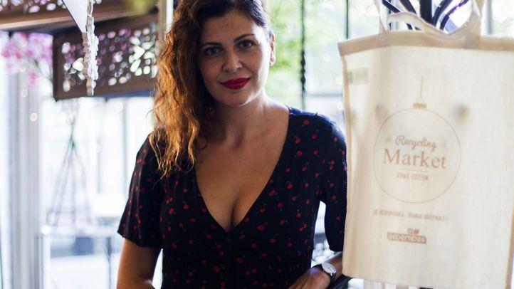 Carolina Martín, responsable de comunicación de Ecoembes en la presentación del mercadillo
