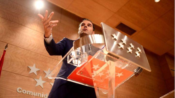 Ignacio Aguado, vicepresidente de la Comunidad, en la rueda de prensa de este martes.