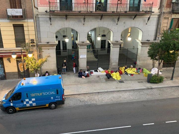 Madrid cederá un espacio municipal para los refugiados que duermen en la calle