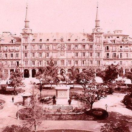 Sin rastro de vegetación en la Plaza Mayor: el Consistorio no instalará árboles