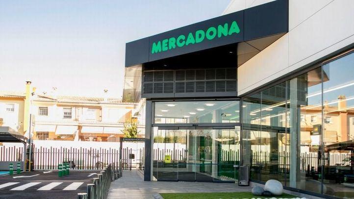 Un nuevo modelo de tienda eficiente de Mercadona se instala en el Mercado de Puente de Vallecas