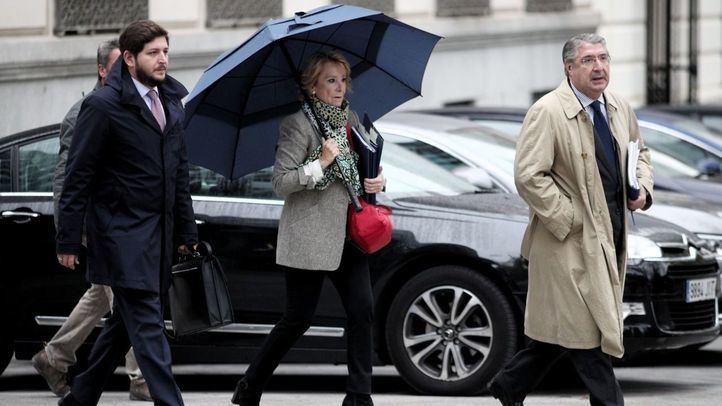 La expresidenta de la Comunidad de Madrid Esperanza Aguirre se dirige a la Audiencia Nacional de Madrid donde testificará en relación a la presunta 'caja B' del PP regional, en Madrid (España)