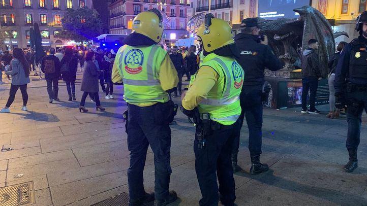 Los servicios de emergencia atendieron a 26 personas entre civiles y policías