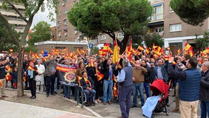 Concentración en Moratalaz en apoyo a la Policía Nacional