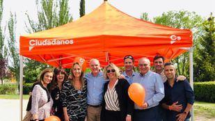 El candidato de Cs Las Rozas en las pasadas elecciones en un acto de campaña.