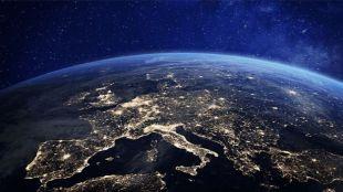 Our World, la primera emisión vía satélite