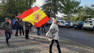 VÍDEO | Simpatizantes franquistas se concentran cerca de Mingorrubio