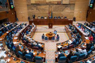 La exhumación de los restos de Franco ha marcado el inicio del Pleno de la Asamblea de Madrid