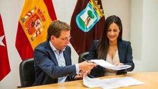 El alcalde, José Luis Martínez-Almeida, y la vicealcaldesa, Begoña Villacís.