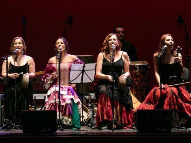 'Cuando cantan las mujeres': las componentes de Acetre lo bordan