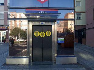 Continúa la avería en el ascensor del Metro de La Elipa